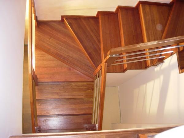 montaż schodów drewnianych krok po kroku